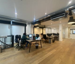 Bureau fermé 87 m² 20 postes Location bureau Rue Sainte-Apolline Paris 75002