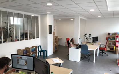 Open Space  2  postes Location bureau Angers 49100