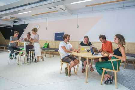 Poste en open space fixe
