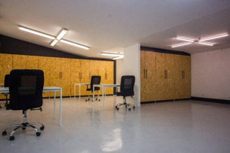 350 € par mois, 27 postes , Paris, Grand open space coloré - Coworking 75010