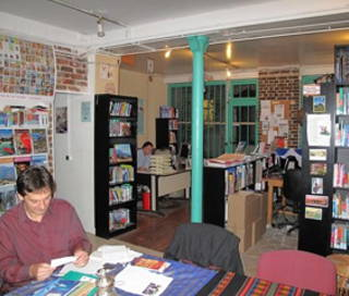 Open Space  1 poste Location bureau Rue de Coulmiers Paris 75014