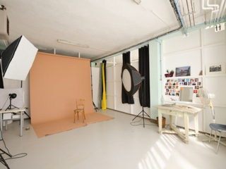30 € par heure, 5 places assises 5 places debout , Marseille, Location du studio photo marseille