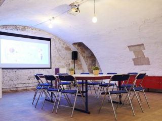 80 € par heure, 20 places assises 30 places debout , Paris, SALLE PRIVATIVE POUR VOS EVENEMENTS