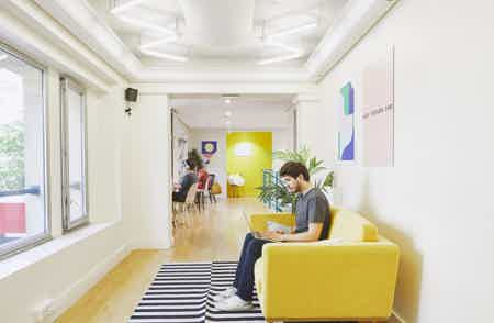 Postes nomades lumineux - Coworking 75010-3