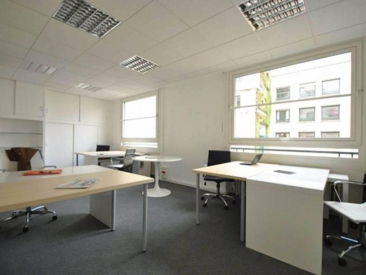 coworking nantes bureau pour 6 postes rue du calvaire. Black Bedroom Furniture Sets. Home Design Ideas