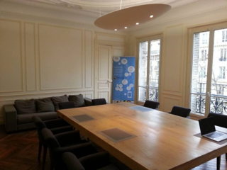 35 € par heure, 14 places assises 20 places debout , Paris, Salle reunion prestige bd st germain paris 75007