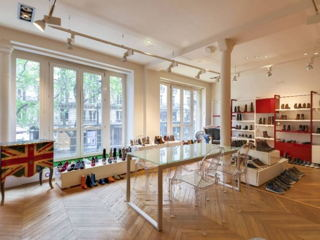 60 € par heure, 18 places assises 18 places debout , Paris, Showroom  etienne marcel