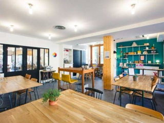250 € par mois, 20 postes , Paris, Coworking & atelier de fabrication 18e