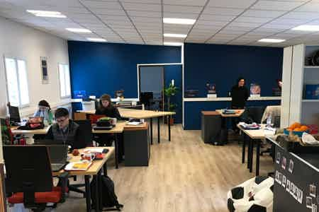 Postes co-working / open-space lumineux !