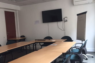 330 € par jour, 12 places assises 1 place debout , Paris, Salle de formation confortable
