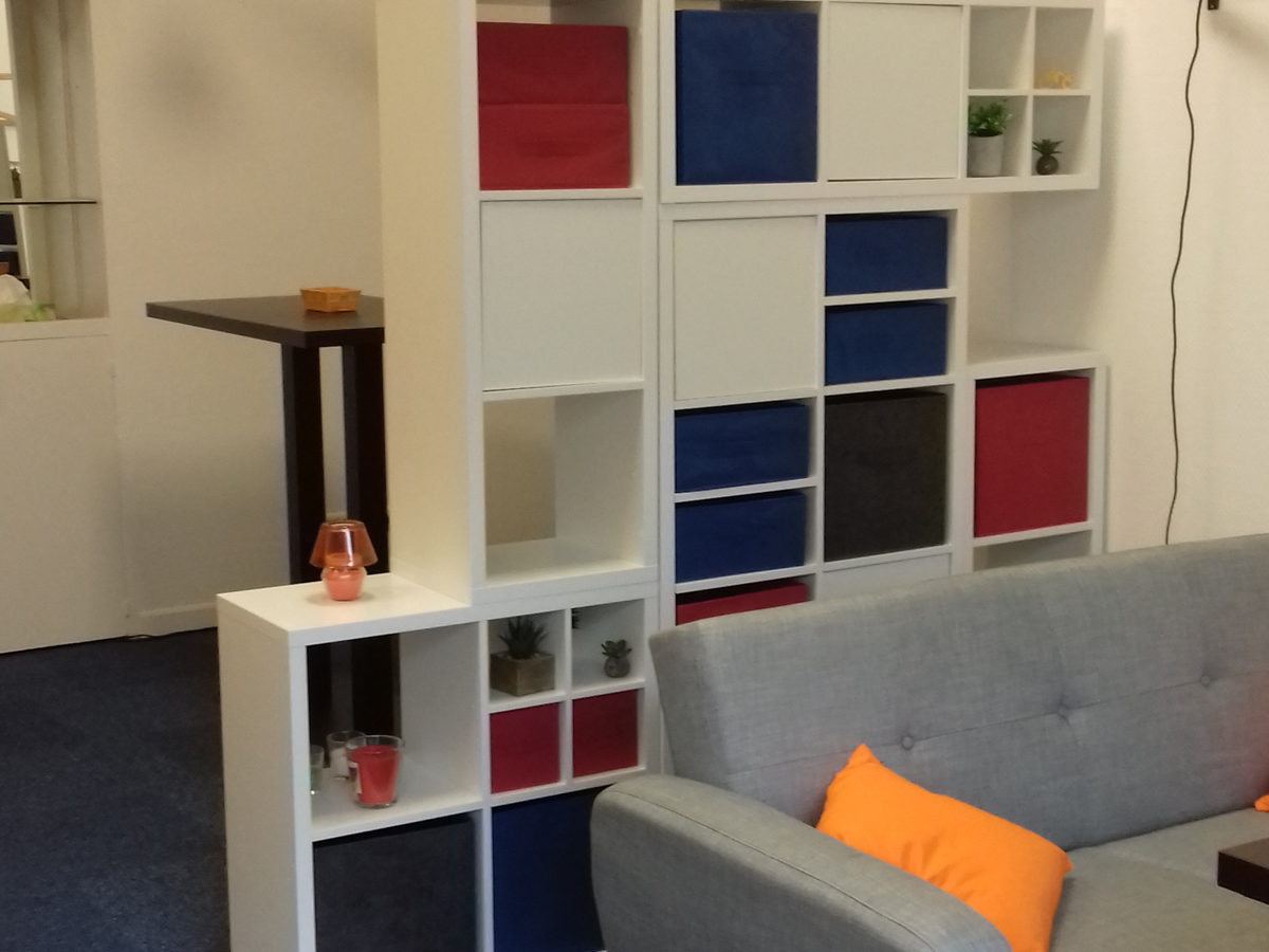 location bureau oyonnax bureau sympa pour commerciaux de passage. Black Bedroom Furniture Sets. Home Design Ideas