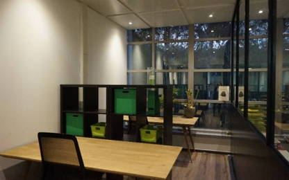Open Space  3  postes Coworking Valbonne 06560