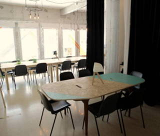 Open Space  3 postes Coworking Rue Léon Giraud Paris 75019