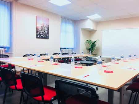 Bureau tout inclus en centre d'affaires-1
