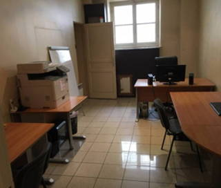 Bureau fermé 26 m² 5 postes Location bureau Rue Richer Paris 75009