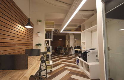 300 € par mois, 12 postes , Paris, Places de coworking en open-space