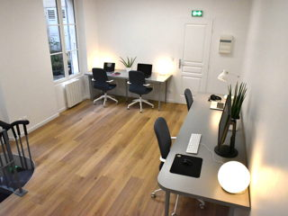 30 € par jour, 4 postes , Paris, Open Space - Agence de comm' à Paris 18