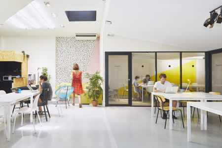 Postes nomades lumineux - Coworking 75010