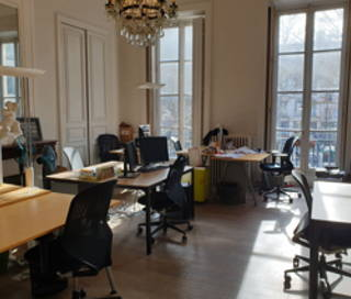 Open Space  4 postes Location bureau Rue René Boulanger Paris 75010