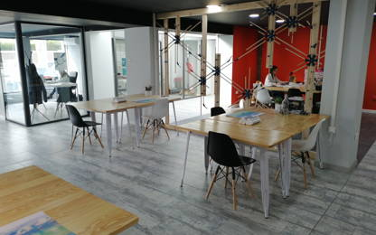 Open Space  20  postes Coworking Orange 84100