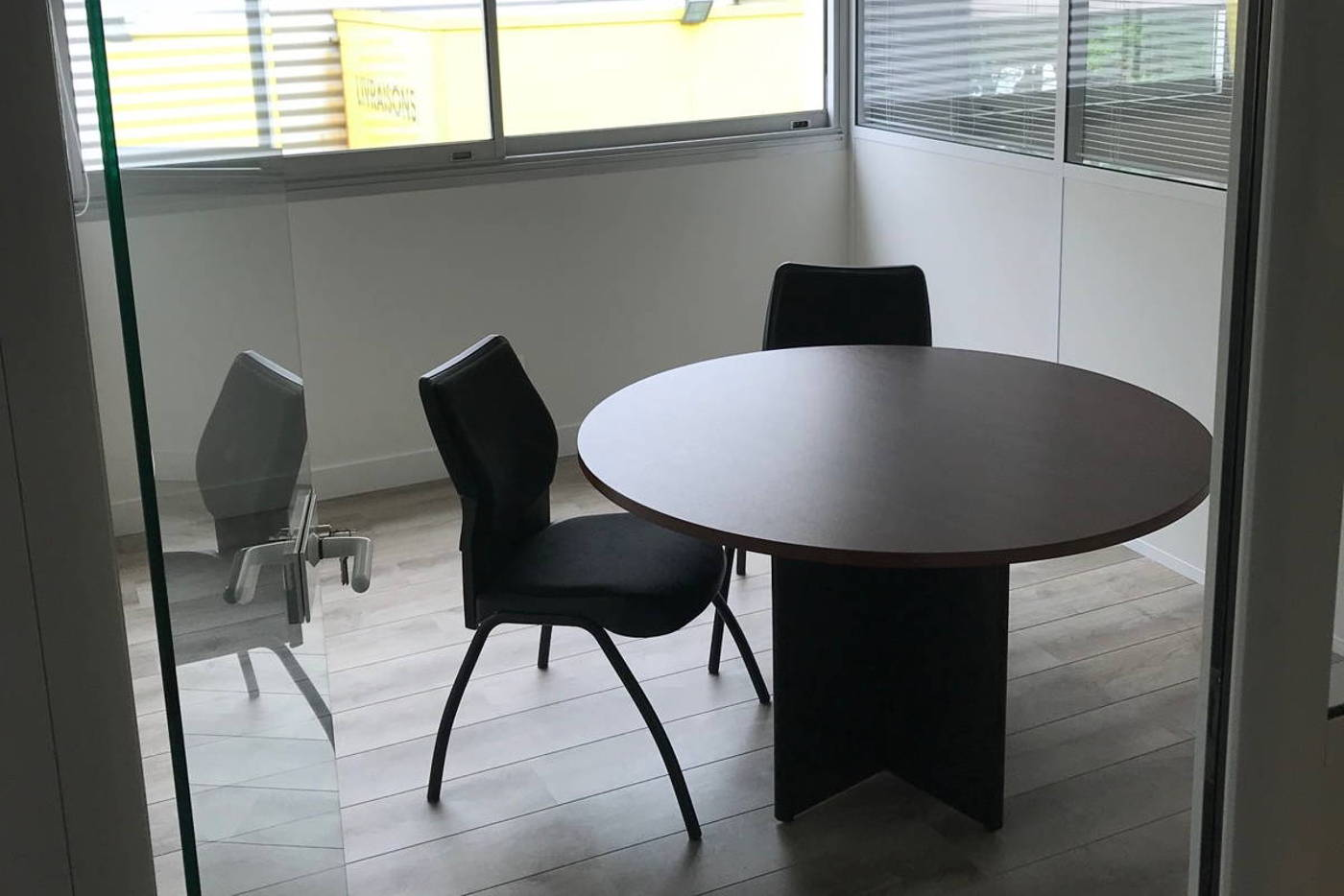 Location bureau trappes co working sur saint quentin en yvelines