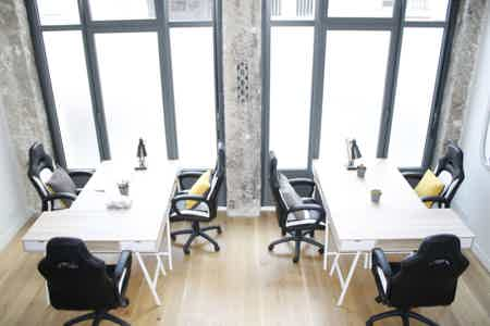 Bureau lumineux en Open Space en Coworking