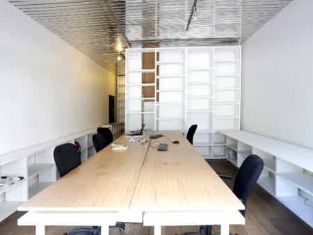 1 a 4 Places de travail paris 10