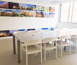 Open Space  4 postes Coworking Rue Planchat Paris 75020