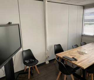 Open Space  3 postes Location bureau Avenue de l'Entreprise Cergy 95800