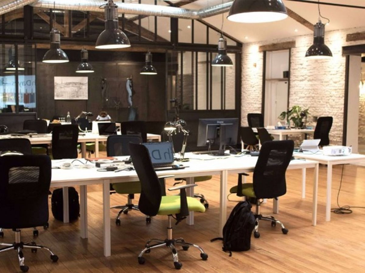coworking toulouse poste fixe dans coworking proche capitole. Black Bedroom Furniture Sets. Home Design Ideas