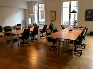 300 € par mois, 2 postes , Paris, 2 postes en open space avenue hoche 75008