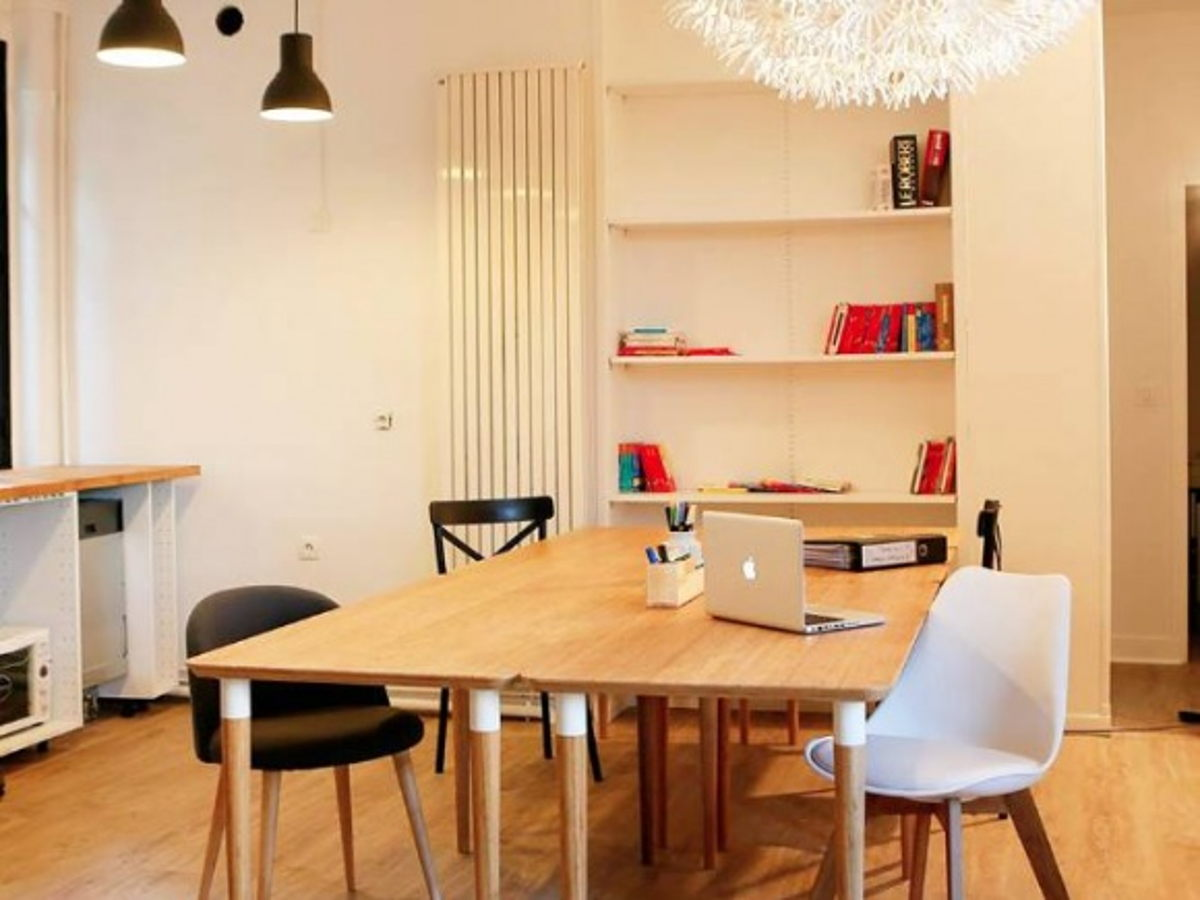 coworking paris 1 poste de travail dans un espace lumineux r nov. Black Bedroom Furniture Sets. Home Design Ideas
