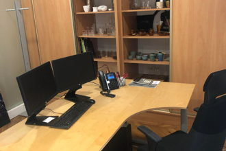 900 € par mois, 2 postes , Paris, Bureau - triangle or 75008