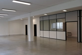 6 037 € par mois, 28 postes , Paris, Local de 210 m²