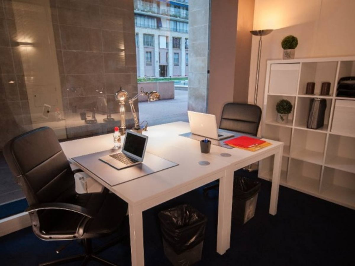 coworking boulogne billancourt bureau privatif avec 2 postes de travail. Black Bedroom Furniture Sets. Home Design Ideas